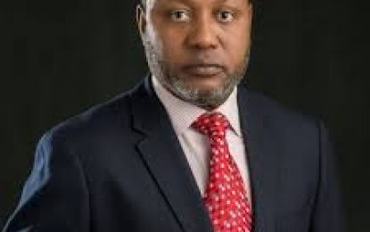 Minister urges early exposure of pupils to technology