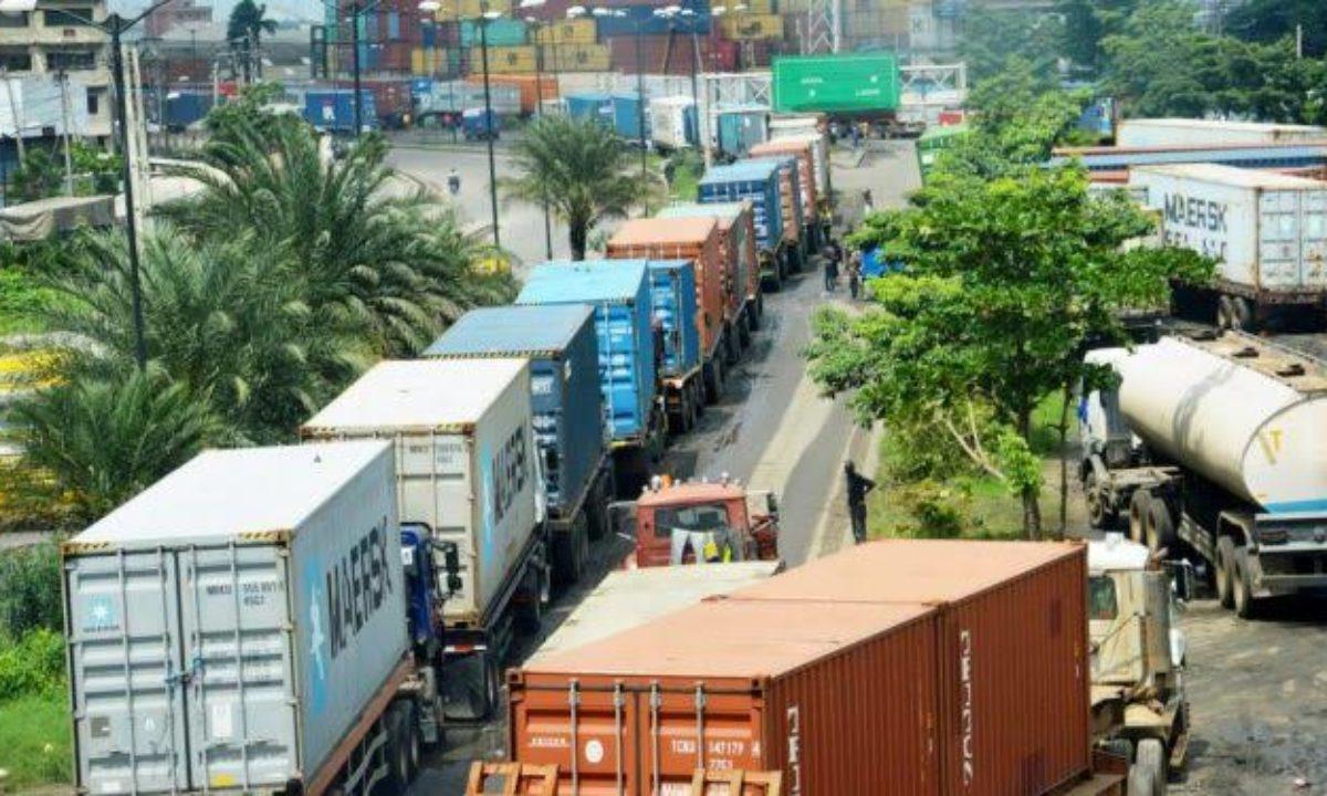 Fashola orders trailers to quit Lagos-Ibadan expressway