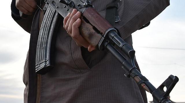 gunmen kidnap journalist